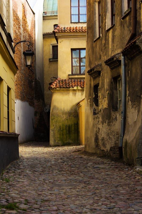 Oude straat, Lublin, Polen stock afbeeldingen
