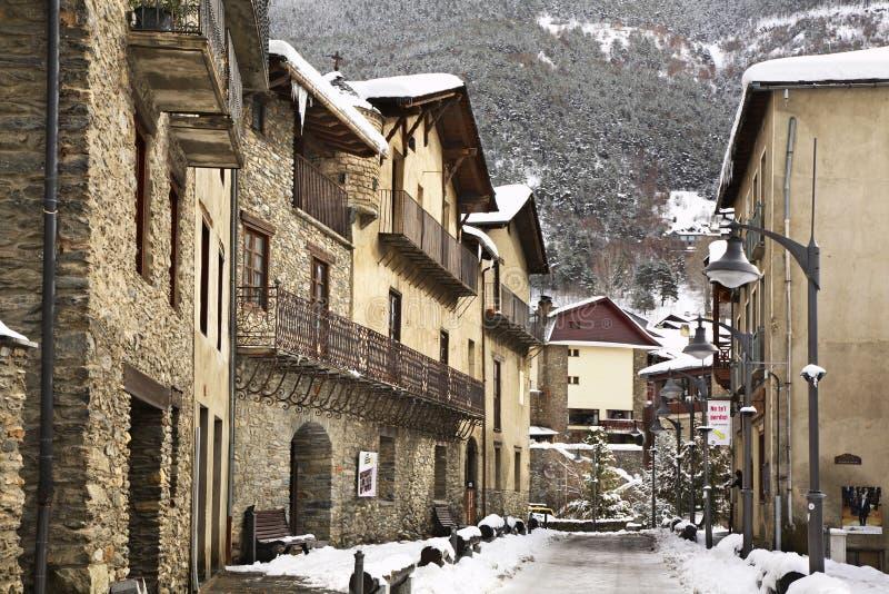 Oude straat in Ordino andorra royalty-vrije stock fotografie