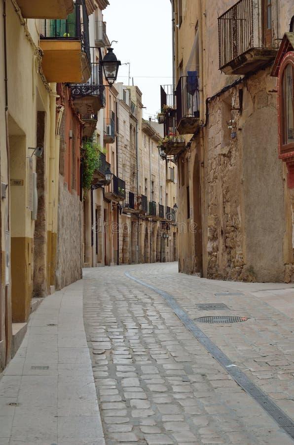 Oude straat van de Spaanse stad Montblanc stock afbeeldingen