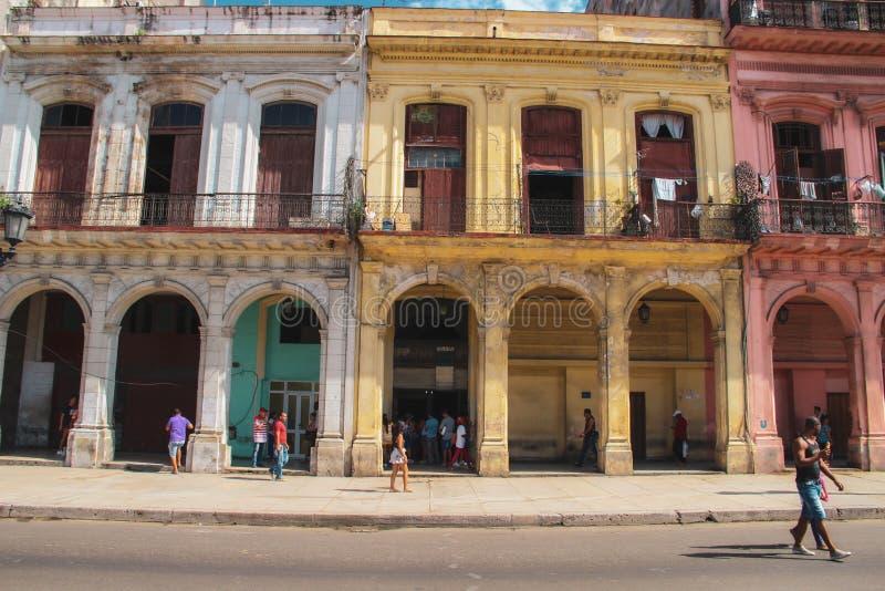 Oude straat van Havana in Cuba, Caribbeans stock afbeeldingen