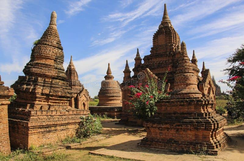 Oude stupas in de archeologische streek Bagan, Myanmar Birma royalty-vrije stock fotografie