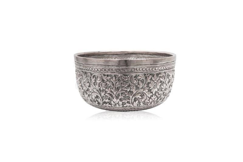 Oude Thaise stijl zilveren kom stock afbeeldingen