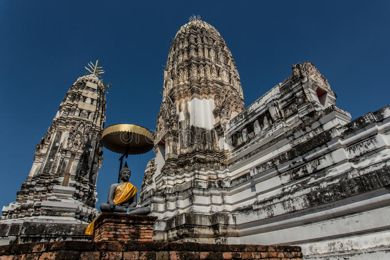 Oude Thaise tempel royalty-vrije stock afbeeldingen