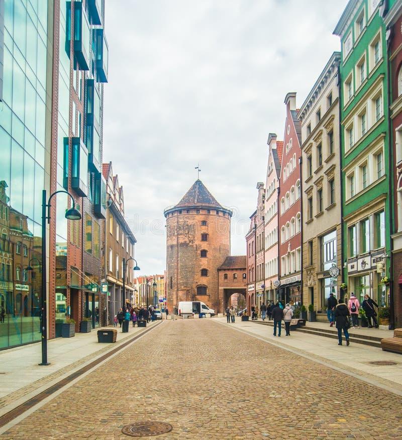 Oude toren en huizen in Oude Stad, Gdansk, Polen stock foto