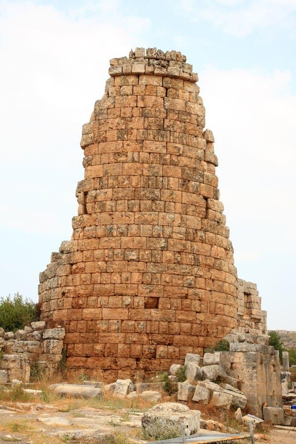 Oude torenruïnes. stock afbeeldingen