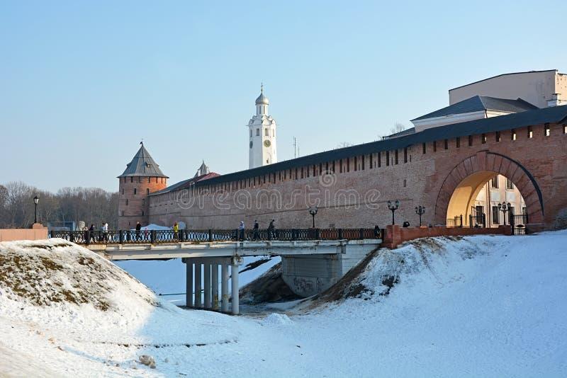 Download Oude Torens Van Novgorod Het Kremlin Redactionele Foto - Afbeelding bestaande uit historisch, fort: 54084941
