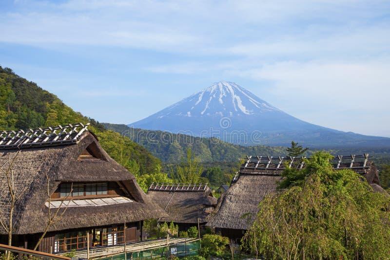 Oude traditionele Japanse Huizen stock fotografie
