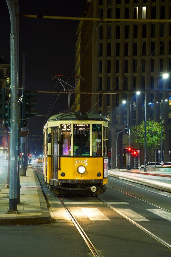 Oude tram in Milaan, Italië stock afbeeldingen