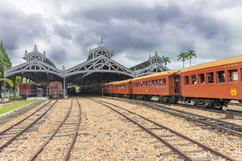 Oude trein ( Maria Fumaca ) De poststad van heilige John Del Rei royalty-vrije stock foto