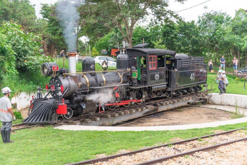 Oude trein ( Maria Fumaca ) in Tiradentes, een Koloniale stad royalty-vrije stock foto's