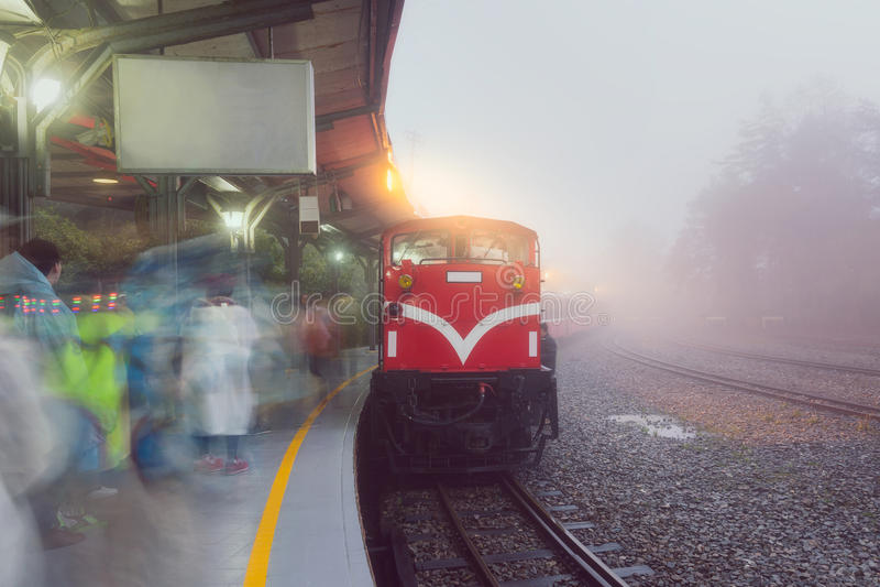 Oude trein in post bij het nationale park van Alishan royalty-vrije stock afbeeldingen