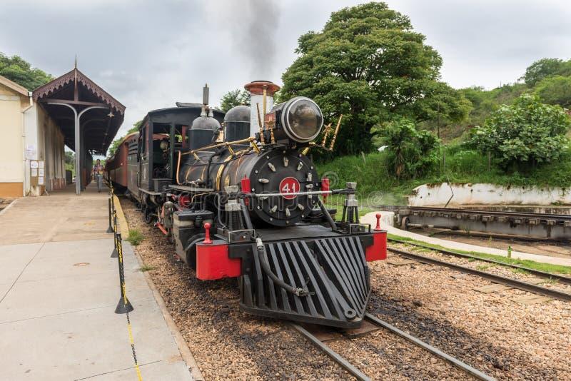 Oude trein in Tiradentes, een Koloniale en historische stad royalty-vrije stock fotografie