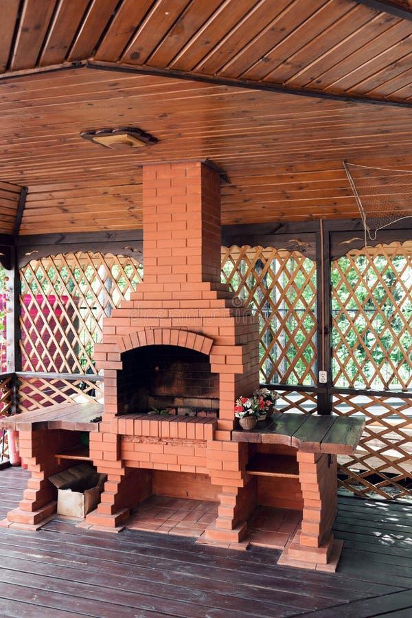 Oude tuinverwarmer grill bruikbaar voor BBQ royalty-vrije stock fotografie