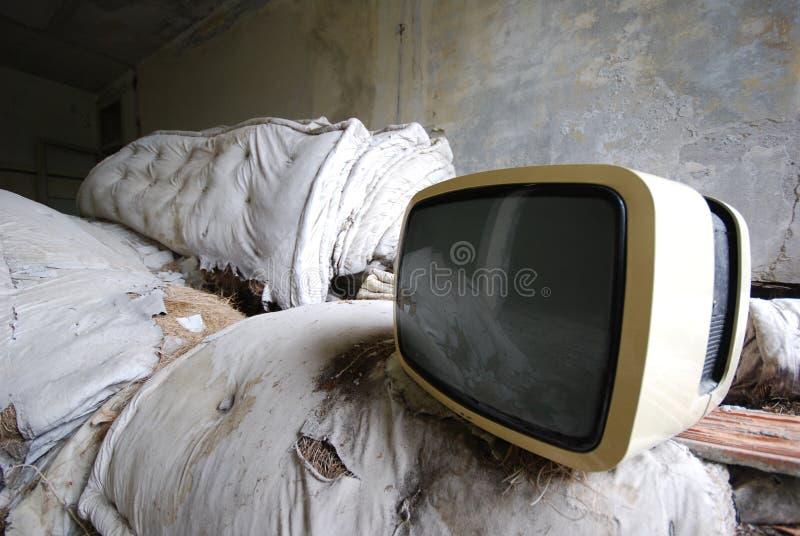 Oude TV - verlaten wijnoogst - stock foto's