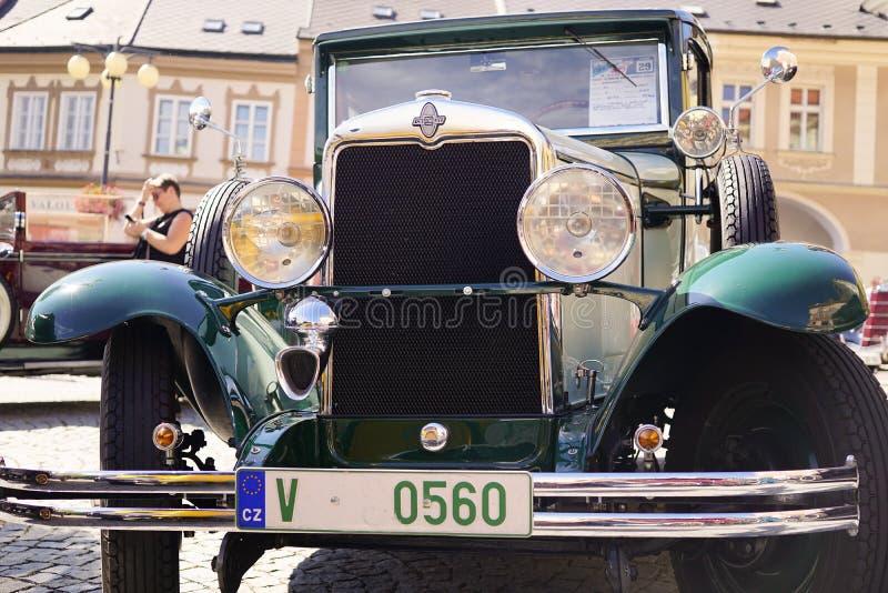 Oude Uitstekende Chevrolet-Auto - in Oud Autofestival royalty-vrije stock afbeelding
