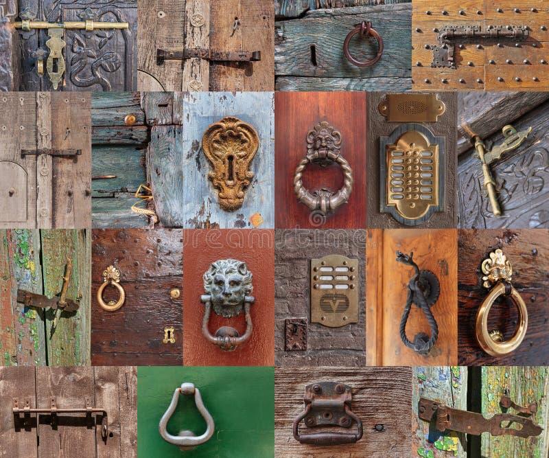 Oude uitstekende deurhandvatten en deadbolt stock fotografie
