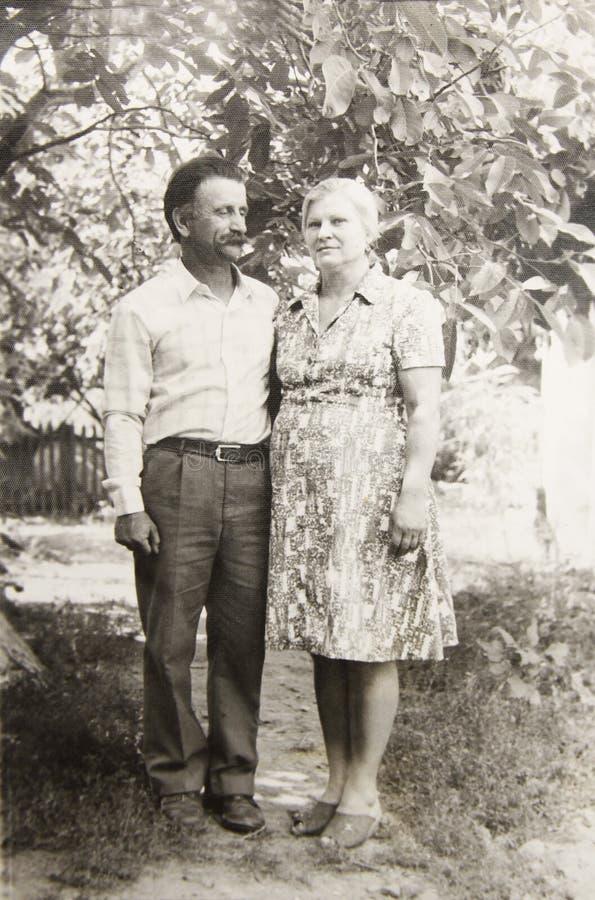 Oude uitstekende fotoparen in liefde royalty-vrije stock afbeelding
