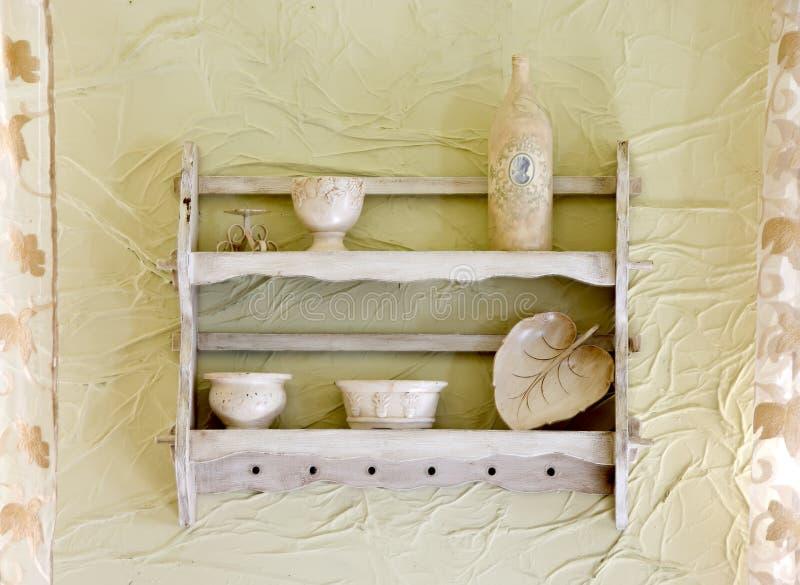 Oude, uitstekende plank stock foto