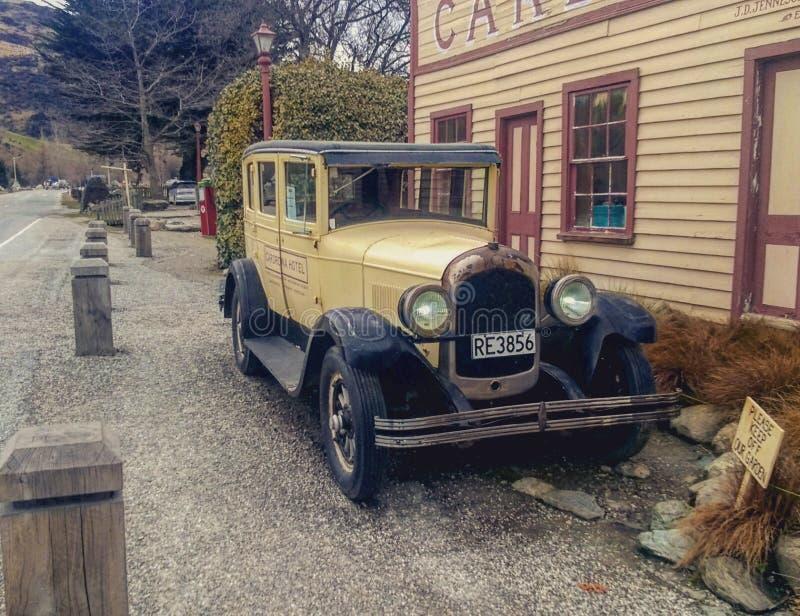 Oude unieke auto royalty-vrije stock afbeeldingen