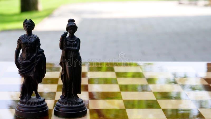Oude van de schaakkoning en koningin cijfers royalty-vrije stock foto