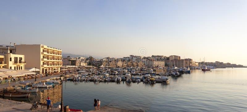 Oude Venetiaanse haven van Chania, Kreta stock foto's
