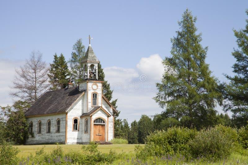 Oude verlaten kerk royalty-vrije stock afbeeldingen
