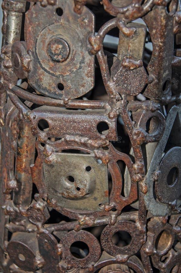 Oude, versleten, ruwe mechanische die toestellen van roestig metaal worden gemaakt Ontwerpminimalism Ijzersamenstelling royalty-vrije stock foto
