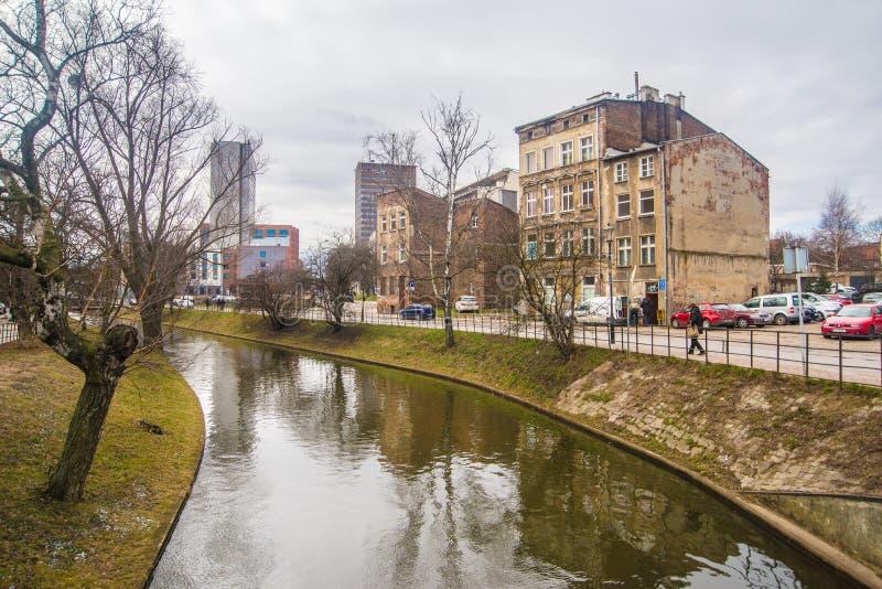 Oude verwoeste het leven huizen in Oude Stad, Gdansk, Polen stock afbeelding
