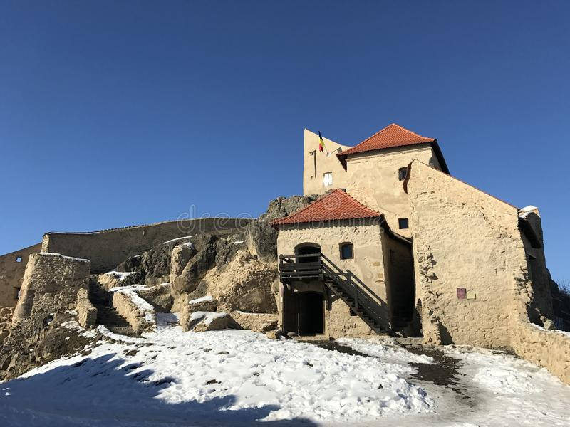 Oude vesting Rupea in de winter - Roemenië stock fotografie