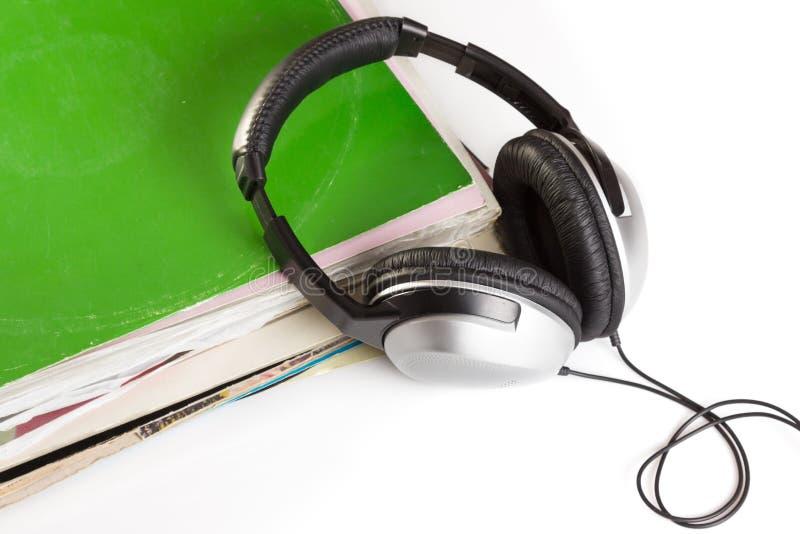 Oude vinyl en hoofdtelefoons stock foto's
