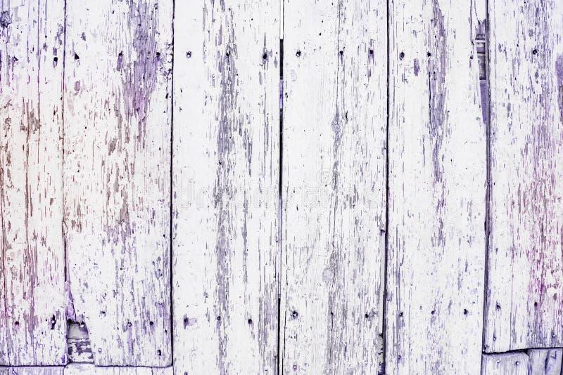 Oude viooltje pastelkleur-gekleurde houten panelen, grungy achtergrond stock foto
