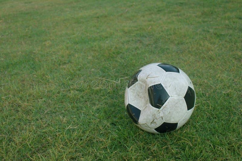 Oude voetbal royalty-vrije stock afbeelding