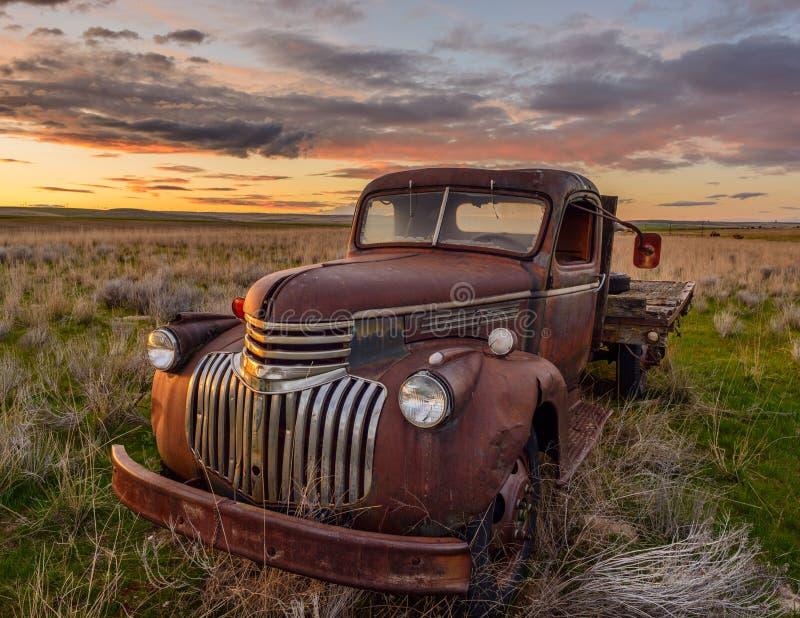 Oude Vrachtwagen Chevy royalty-vrije stock afbeelding