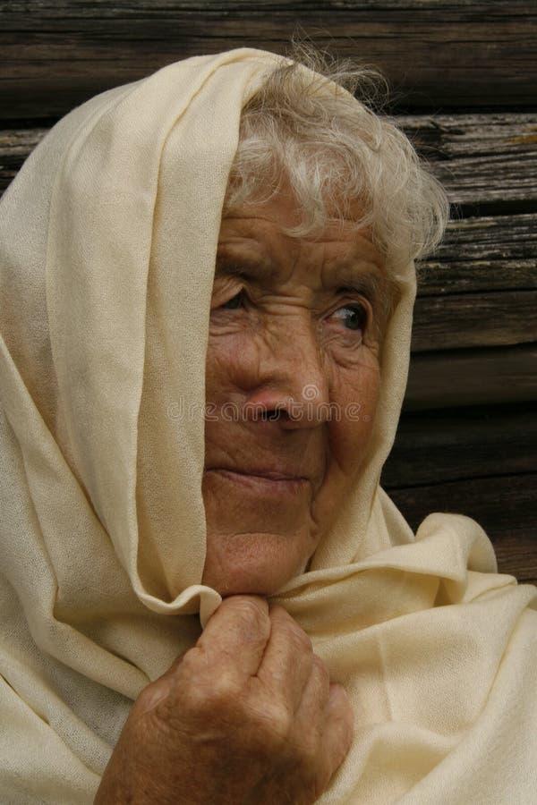 Oude vrouw stock afbeelding