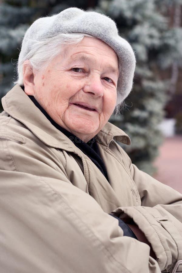 Oude vrouw royalty-vrije stock fotografie