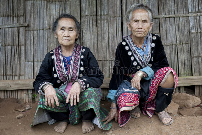 Oude vrouwen in Azië, etnische groep Meo royalty-vrije stock fotografie