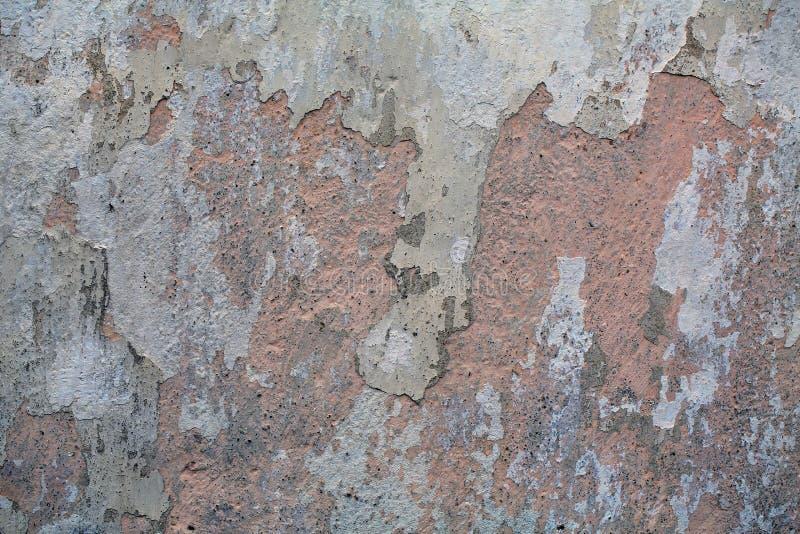 Oude vuile muur als achtergrond stock afbeelding