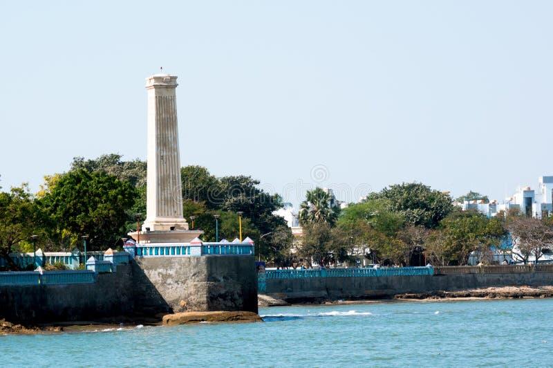 Oude vuurtoren die de baai in diu Gujarat India overzien royalty-vrije stock afbeeldingen