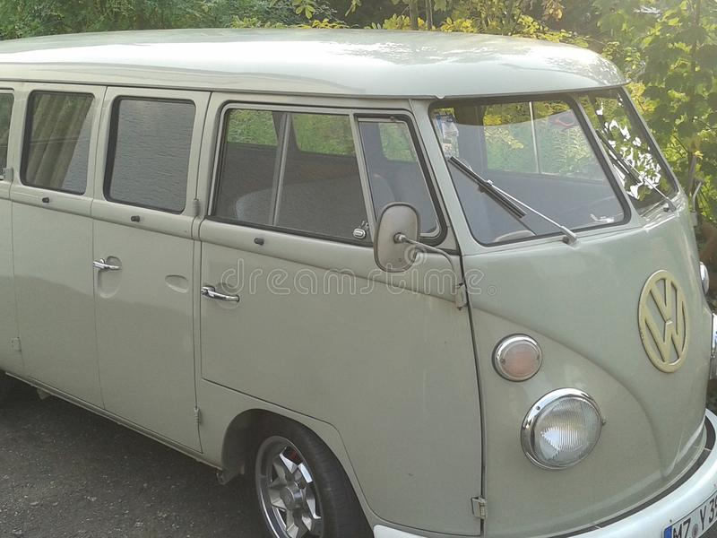 Oude VW-Bus royalty-vrije stock afbeelding
