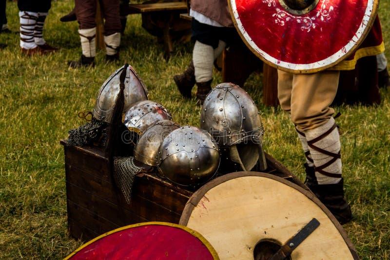 Oude wapensreproductie voor Keltisch festival in Montelago Italië stock fotografie