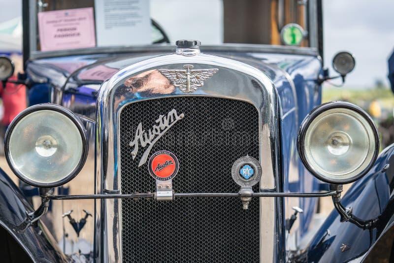 OUDE WARDEN, BEDFORDSHIRE, UK, OCTOBER 6, 2019 De Austin 7 is een zuinige auto die van 1922 tot 1939 in de Verenigde Staten werd  stock foto