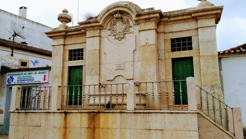 Oude waterfontein, Loures, Portugal stock afbeeldingen