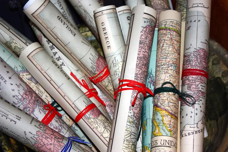 Oude wereldkaarten stock foto