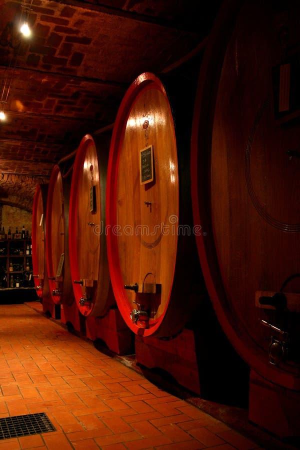 Oude wijnkelder stock foto