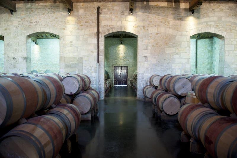 Oude wijnKelder in Bordeaux, Frankrijk stock fotografie