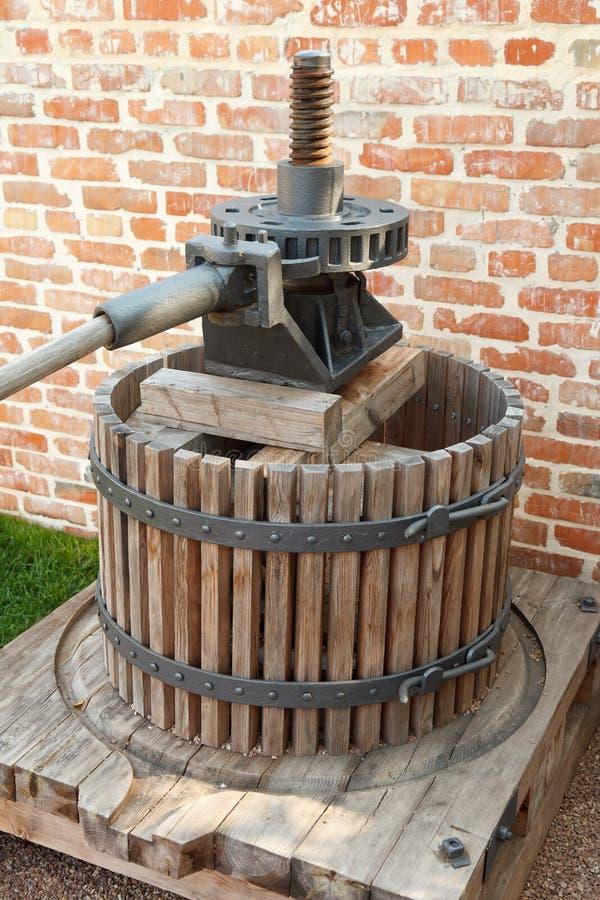 Oude wijnpers royalty-vrije stock foto's