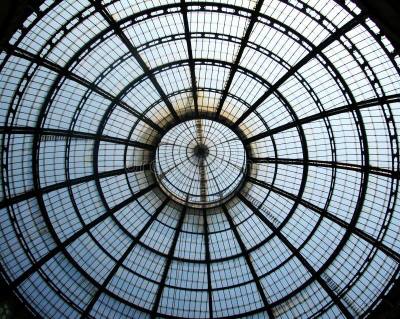 Oude winkelcentrumgalerij Vittorio Emanuele in centrum van Milaan, Italië royalty-vrije stock foto's
