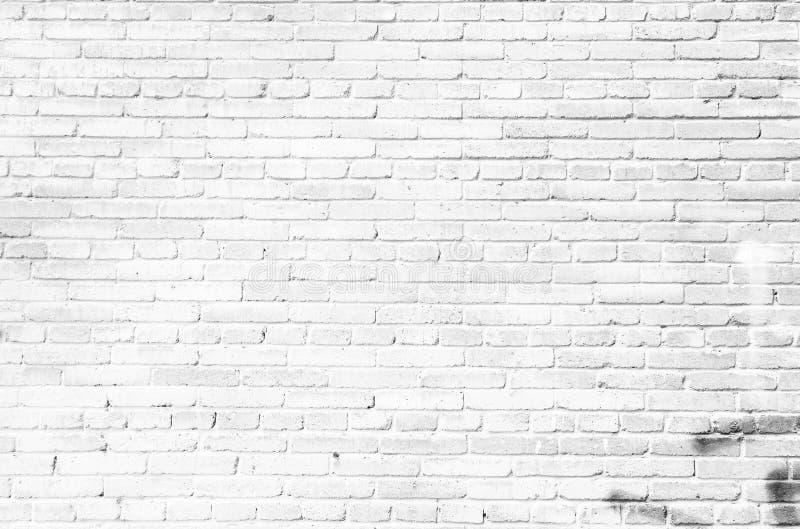 Oude witte bakstenen muur als achtergrond royalty-vrije stock foto