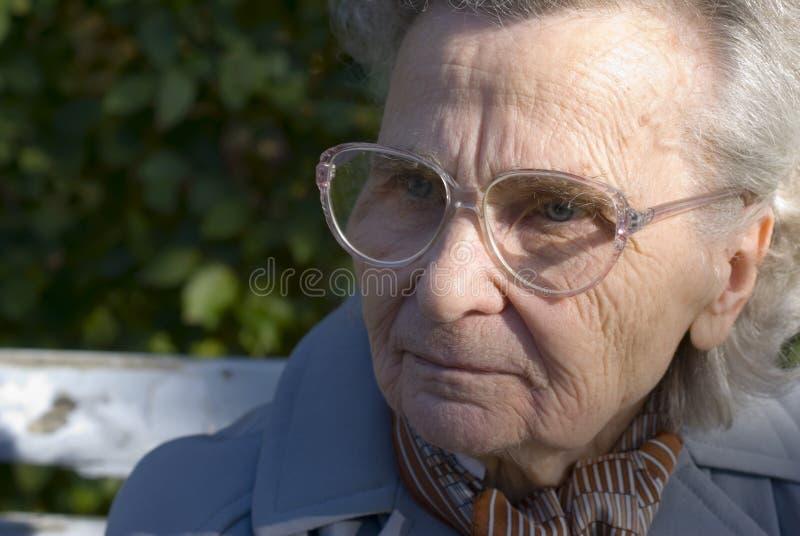 Oude woman1 stock afbeeldingen