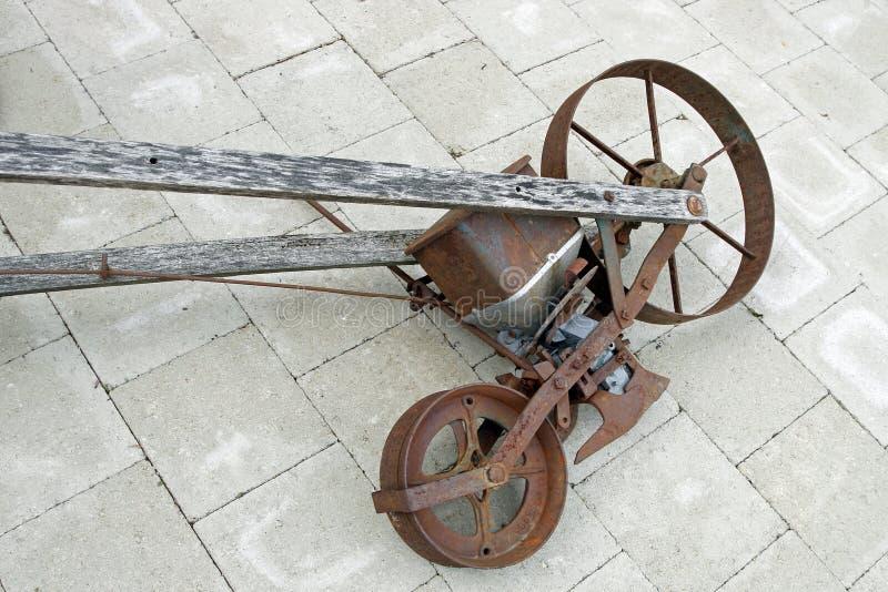 Oude zaaimachine stock fotografie